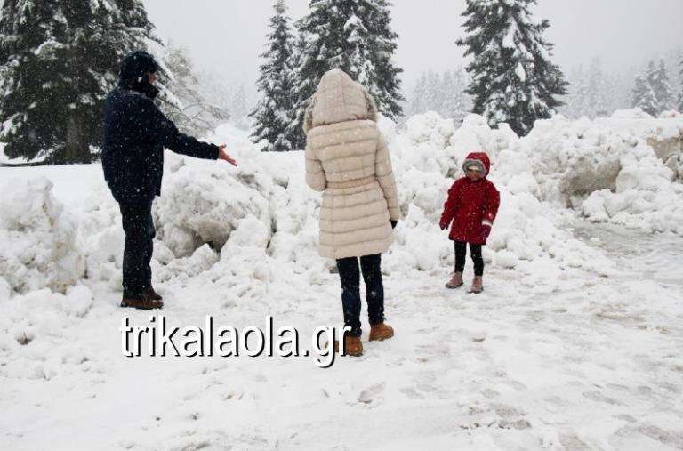 """Καιρός: Καταιγίδες και χιόνια σε όλη τη χώρα! Μαγικές εικόνες από τις πόλεις που """"ντύθηκαν"""" στα λευκά   tlife.gr"""