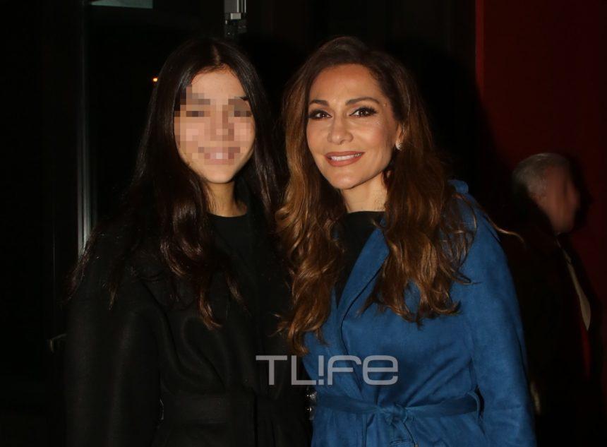 Δέσποινα Βανδή: Σπάνια δημόσια εμφάνιση με την κόρη της, Μελίνα! [pics]   tlife.gr