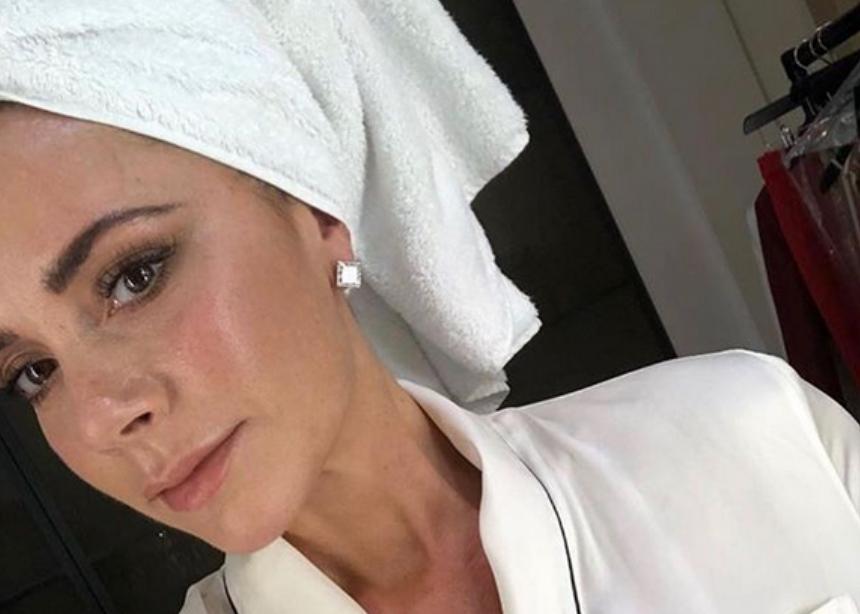 Η Victoria Beckham επισκέφτηκε την δερματολόγο της και αυτά είναι τα προϊόντα που χρησιμοποιεί τώρα! | tlife.gr