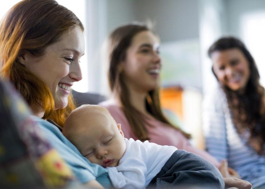 Γέννησε η φίλη σου; 8 αδιαπραγμάτευτοι κανόνες για την πρώτη επίσκεψη στο σπίτι   tlife.gr