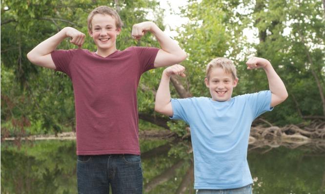 Σε ποια ηλικία σταματάει η ανάπτυξη των αγοριών | tlife.gr
