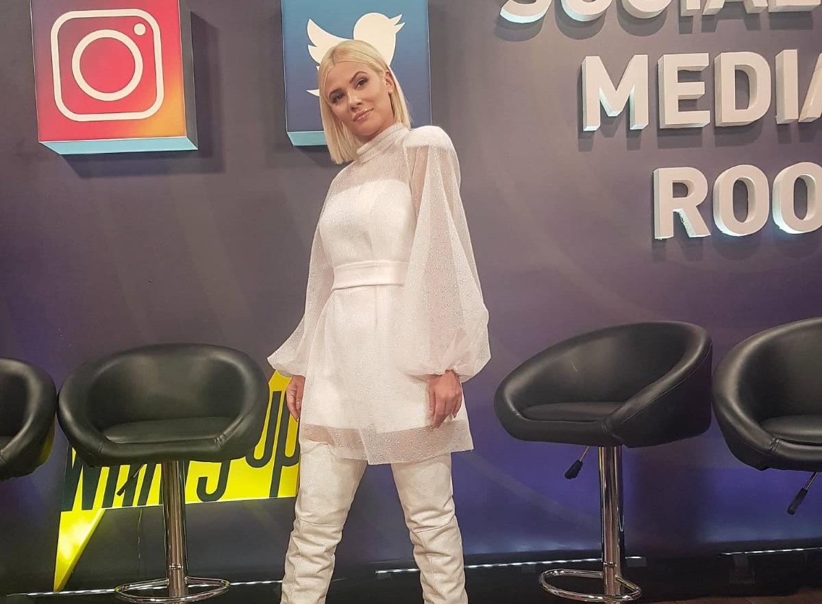 Λάουρα Νάργες: Εμφάνιση βγαλμένη από παραμύθι στο πρώτο live επεισόδιο του The Voice of Greece! [pic,video] | tlife.gr