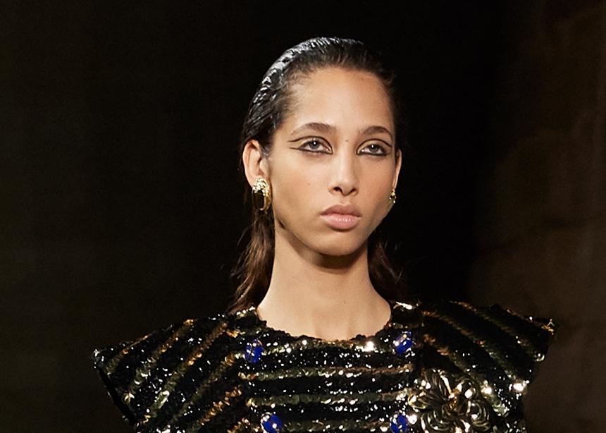 Βήμα- βήμα πώς θα πετύχεις το wet hair από το τελευταίο show της Chanel!