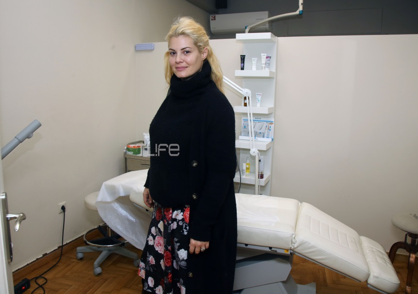 Christmas party με celebrities σε δερματολογικό ιατρείο! [pics]   tlife.gr