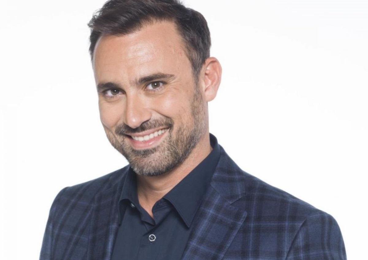 Γιώργος Καπουτζίδης: «Δεν είναι ντροπή να είσαι γκέι!» | tlife.gr