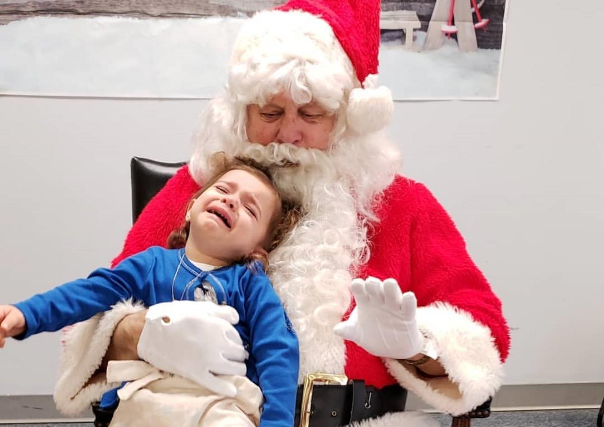 Καλομοίρα: Πλάνταξε στο κλάμα η κόρη της, όταν συνάντησε τον Άγιο Βασίλη! [pics] | tlife.gr