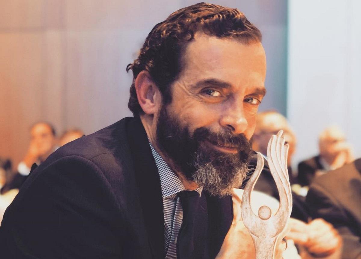 Κωνσταντίνος Μαρκουλάκης: Το πρώτο του μήνυμα για την επιστροφή της σειράς «Λόγω Τιμής» [pic] | tlife.gr