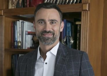Γιώργος Καπουτζίδης: Σε νέο… ρόλο στον ΣΚΑΙ! | tlife.gr