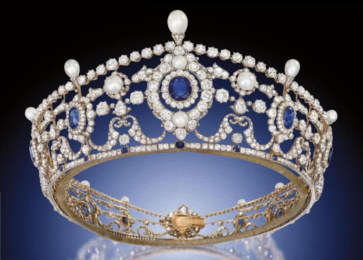 Βασιλικός συναγερμός: Κλάπηκε βασιλική τιάρα με διαμάντια του 1902! | tlife.gr