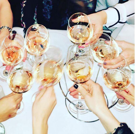 12 μανικιούρ που θα τους εντυπωσιάσουν όλους στο γιορτινό τραπέζι! | tlife.gr