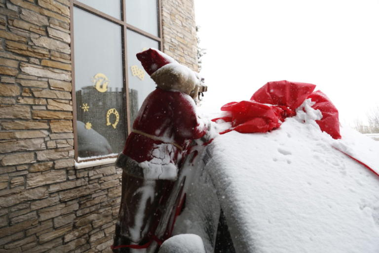 Καιρός: Κάλαντα με… ομπρέλα – Χιόνια από το βράδυ | tlife.gr