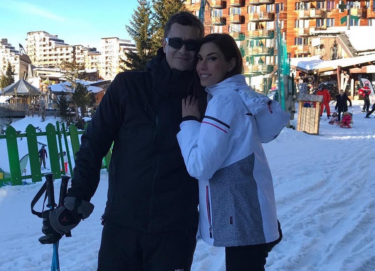 Λευκά Χριστούγεννα για Αντώνη Σρόιτερ, Ιωάννα Μπούκη: Για σκι στο εξωτερικό με τις κόρες τους! [pics,video] | tlife.gr