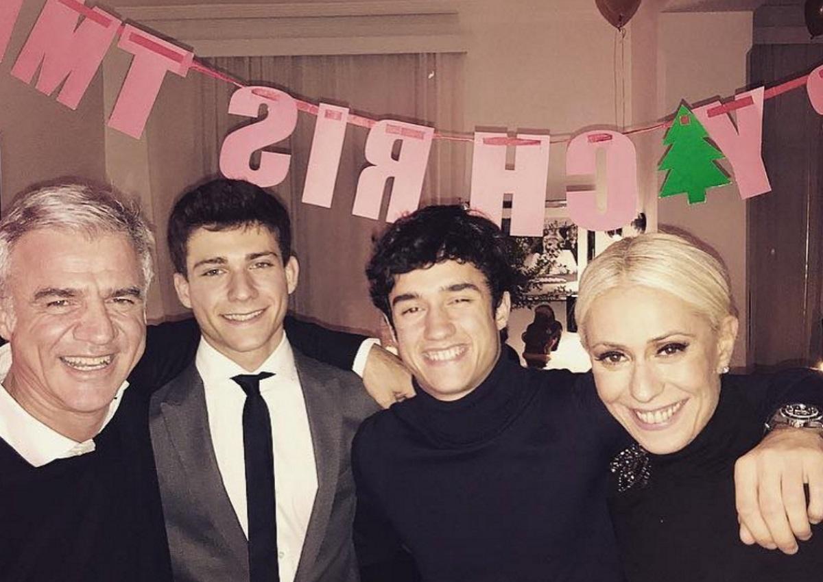 Μαρία Μπακοδήμου: Χριστουγεννιάτικο δείπνο μαζί με τον Δημήτρη Αργυρόπουλο και τους γιους τους! [pics]   tlife.gr