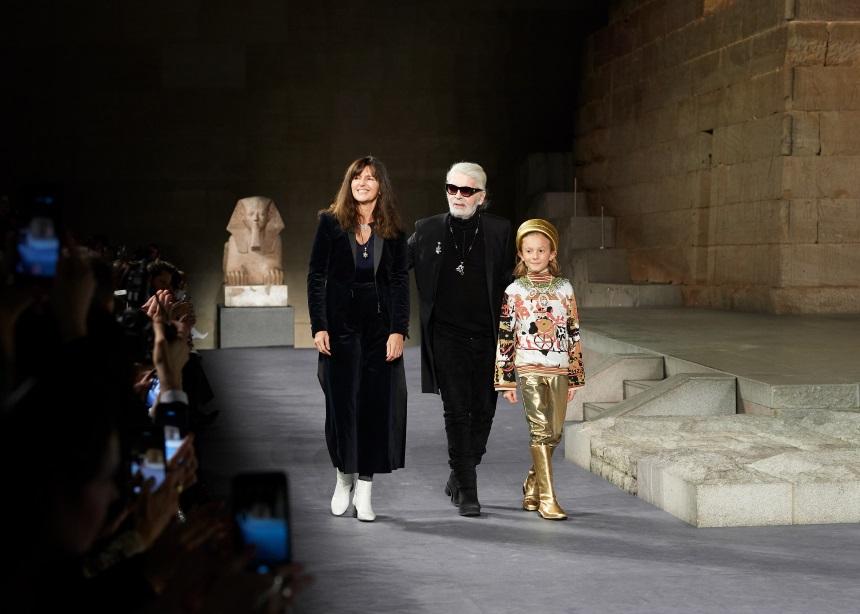 Ένα νέο ντοκιμαντέρ του Netflix θα μας βάλει μέσα στον μαγικό κόσμο της Chanel | tlife.gr