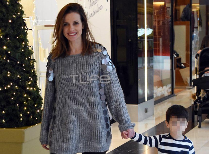 Ελένη Καρποντίνη: Βόλτα με τον 2,5 ετών γιο της σε γνωστό εμπορικό κέντρο [pics]   tlife.gr