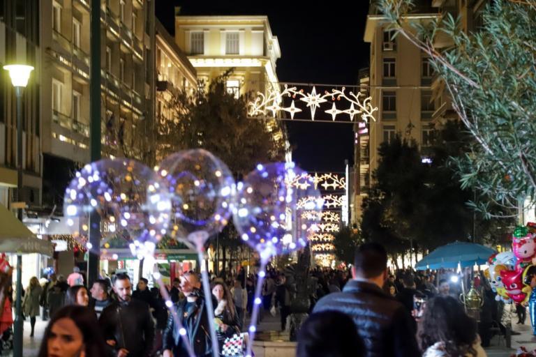 Εορταστικό ωράριο καταστημάτων: Τι ώρα κλείνουν τα μαγαζιά | tlife.gr