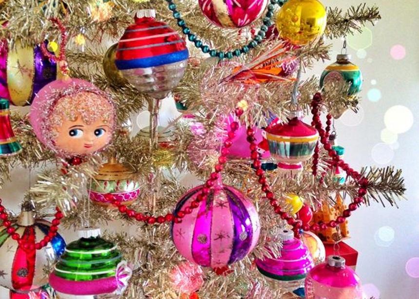 Christmas Extravagance: Τα πιο… σουρεαλιστικά στολίδια για το δέντρο σου θα τα βρεις εδώ! | tlife.gr