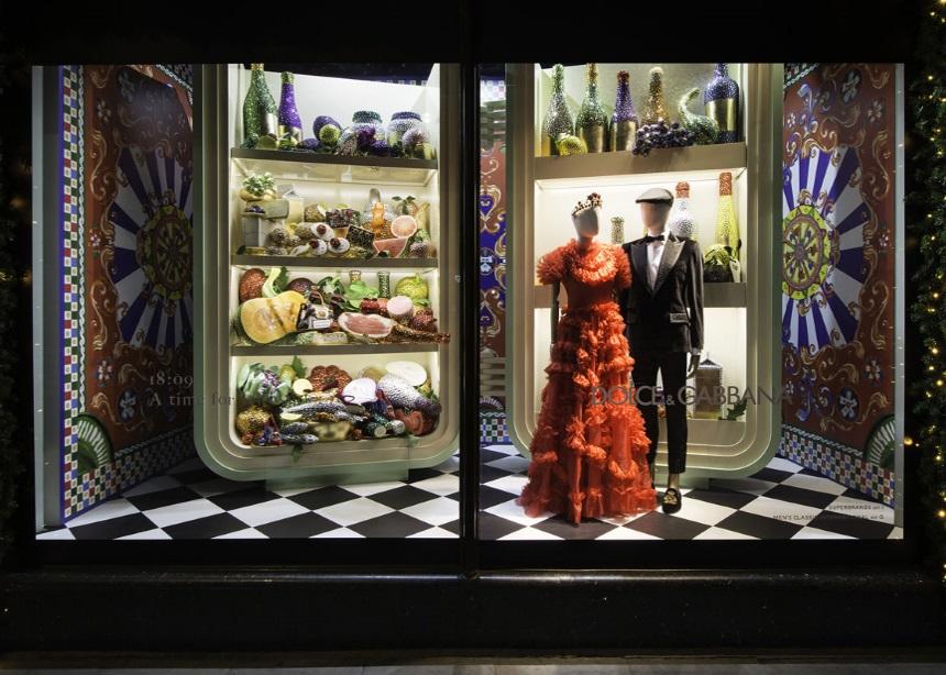 London Holiday Special: Είναι οι φετινές βιτρίνες του Harrods το πιο instagrammable αξιοθέατο του Λονδίνου; | tlife.gr