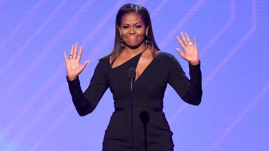 Michelle Obama: Αναδείχθηκε η γυναίκα που θαυμάζουν περισσότερο οι Αμερικανοί για το 2018! | tlife.gr