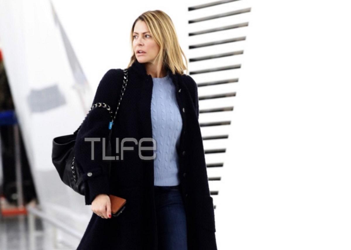 Τζένη Μπαλατσινού: Ανανεωμένη και χωρίς ίχνος μακιγιάζ στο αεροδρόμιο της Αθήνας! [pics] | tlife.gr