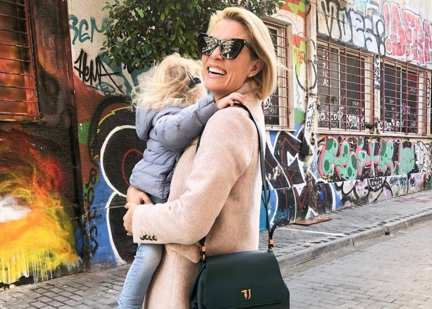 Βίκυ Καγιά: Οι τελευταίες βόλτες με την κόρη της, λίγο πριν υποδεχτούν το νέο έτος! [pic,video] | tlife.gr