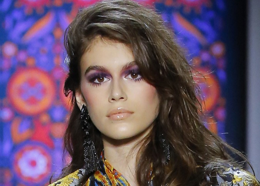 Video! Η Ραμόνα Βλαντή κάνει το disco makeup της Kaia Gerber!   tlife.gr