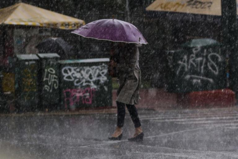 Καιρός: Τσουχτερό κρύο και βροχή σε όλη τη χώρα την Παρασκευή   tlife.gr