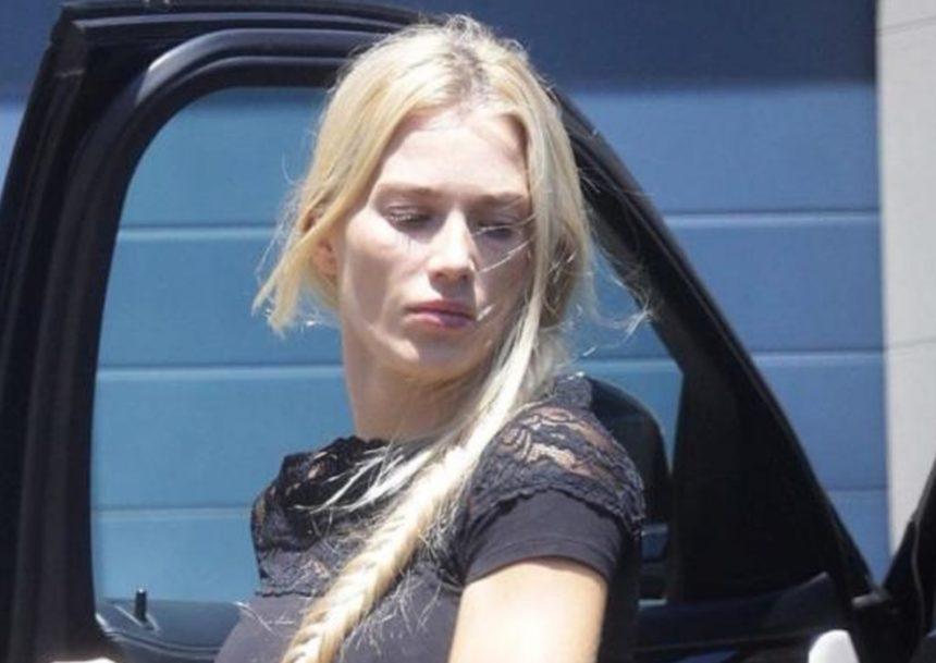 Η πρώτη φωτογραφία της Βικτώριας Καρύδα, δύο μήνες μετά τη δολοφονία του συζύγου της, Γιάννη Μακρή   tlife.gr