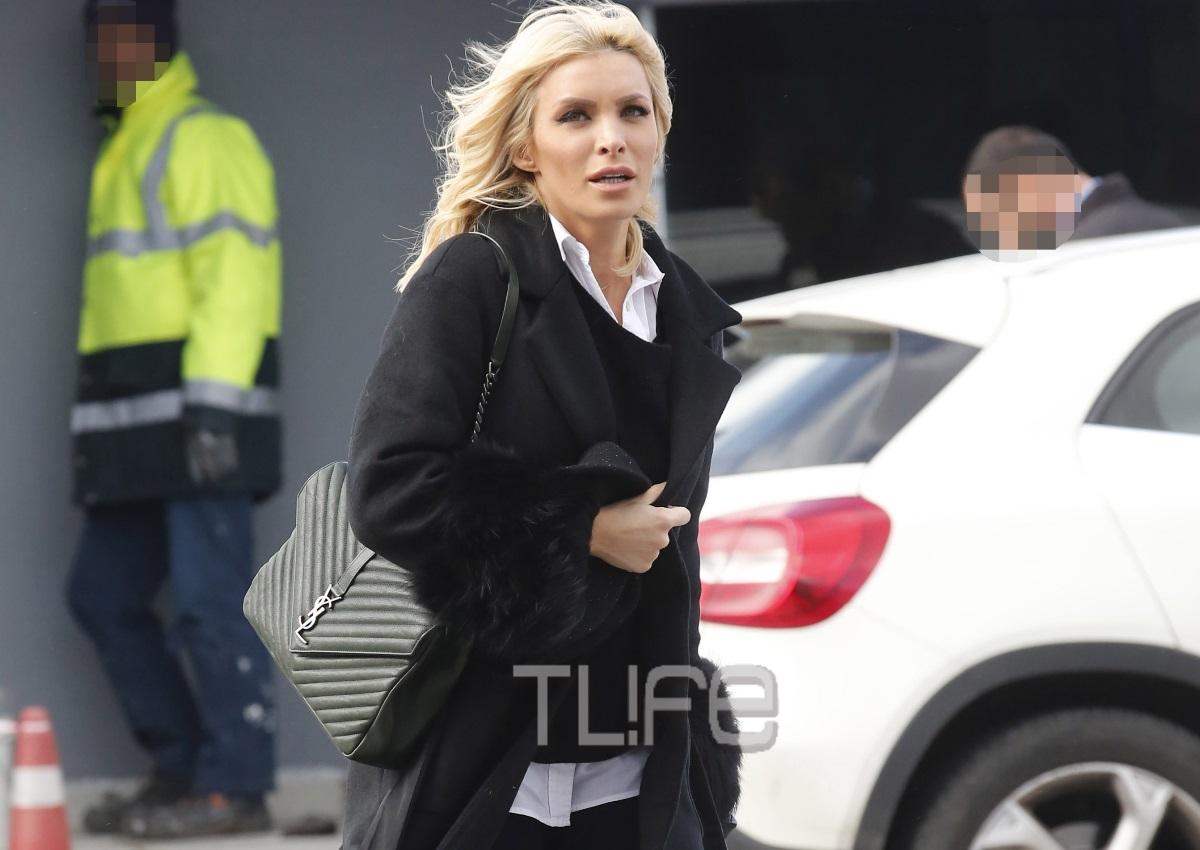 Κατερίνα Καινούργιου: Στο αεροδρόμιο με άψογο look, λίγο πριν ταξιδέψει για να βρεθεί κοντά στον σύντροφό της! [pics]