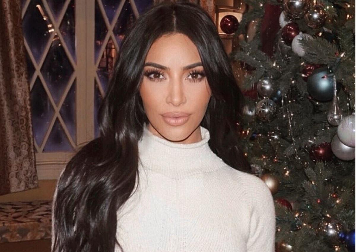 Kim Kardashian: Η selfie φωτογραφία με μπικίνι που «έριξε» το instagram! | tlife.gr