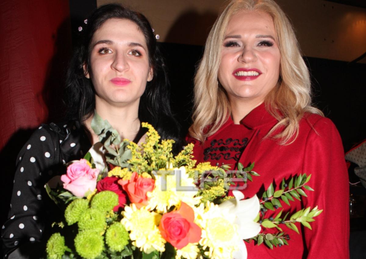 Μπέσυ Μάλφα – Γεράσιμος Σκιαδαρέσης: Θεατρικό ντεμπούτο για την κόρη τους Όλγα! [pics]