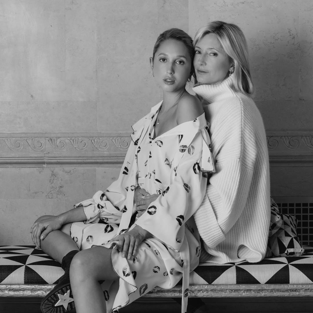 Marie Chantal: Με την κόρη της Ολυμπία και τον Παύλο στο εξώφυλλο του Vanity Fair! [pics,vid]