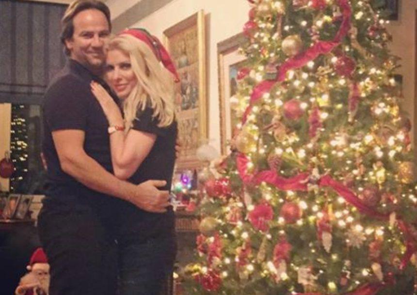 Όταν η Ελένη Μενεγάκη έβαλε φωτιά στο Χριστουγεννιάτικο δέντρο – «Άναψα ένα σπίρτο και…» [video] | tlife.gr