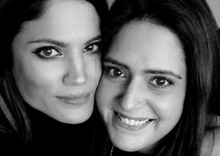 Μαίρη Συνατσάκη: Οι σπάνιες παιδικές φωτογραφίες και το τρυφερό μήνυμα για τη δίδυμη αδελφή της!   tlife.gr