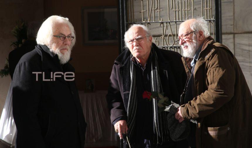 Το τελευταίο αντίο στον ηθοποιό Γιώργο Μοσχίδη – Οι αγαπημένοι του φίλοι στην πολιτική κηδεία του   tlife.gr