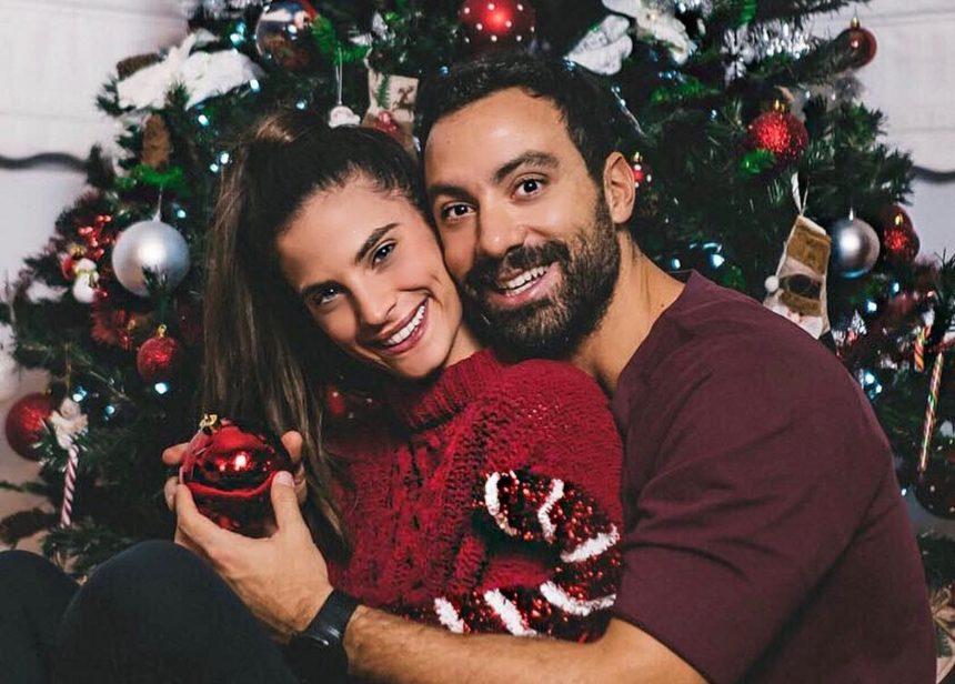 Σάκης Τανιμανίδης – Χριστίνα Μπόμπα: Τα πρώτα τους Χριστούγεννα ως παντρεμένοι! Το εντυπωσιακό δέντρο που στόλισαν μαζί [pics] | tlife.gr