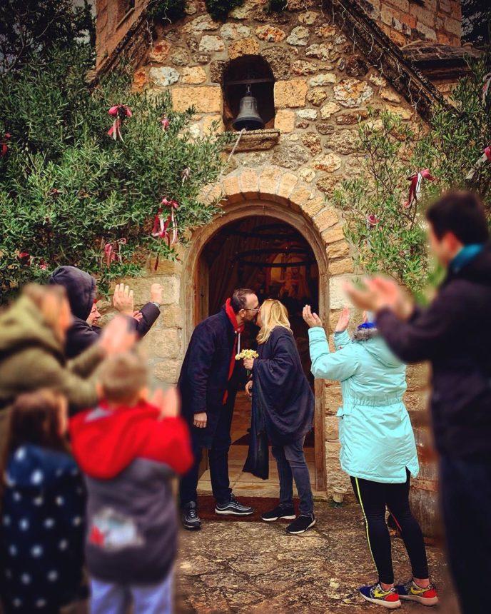 Η Φαίη Κυριακοπούλου του Ant1 έκανε τον πιο εναλλακτικό γάμο… αλλά ήταν μια καλοστημένη πλάκα!  [pics] | tlife.gr
