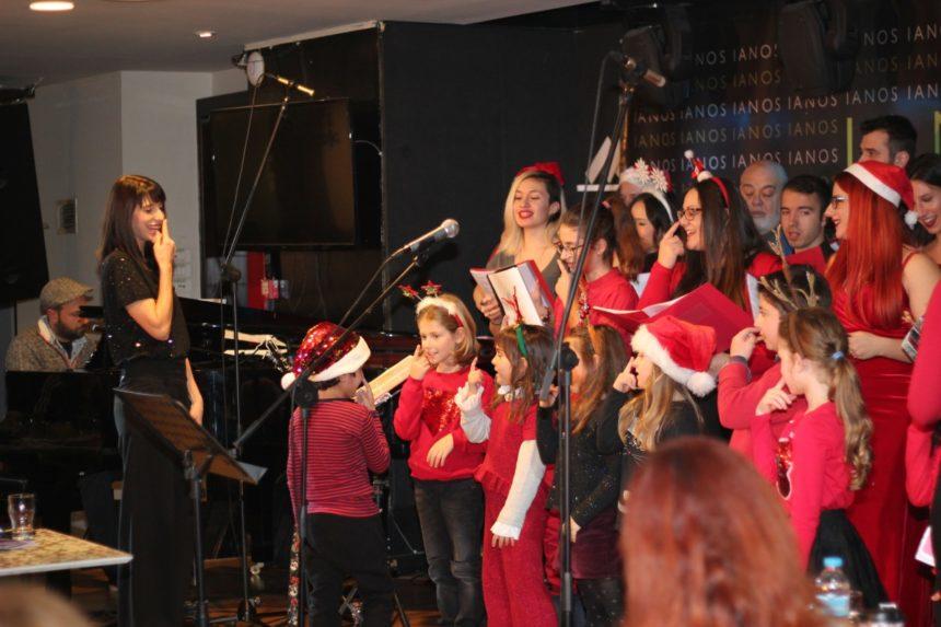 Μιρέλα Πάχου: Η χορωδία «Note Allegre» τραγούδησε για καλό σκοπό! | tlife.gr