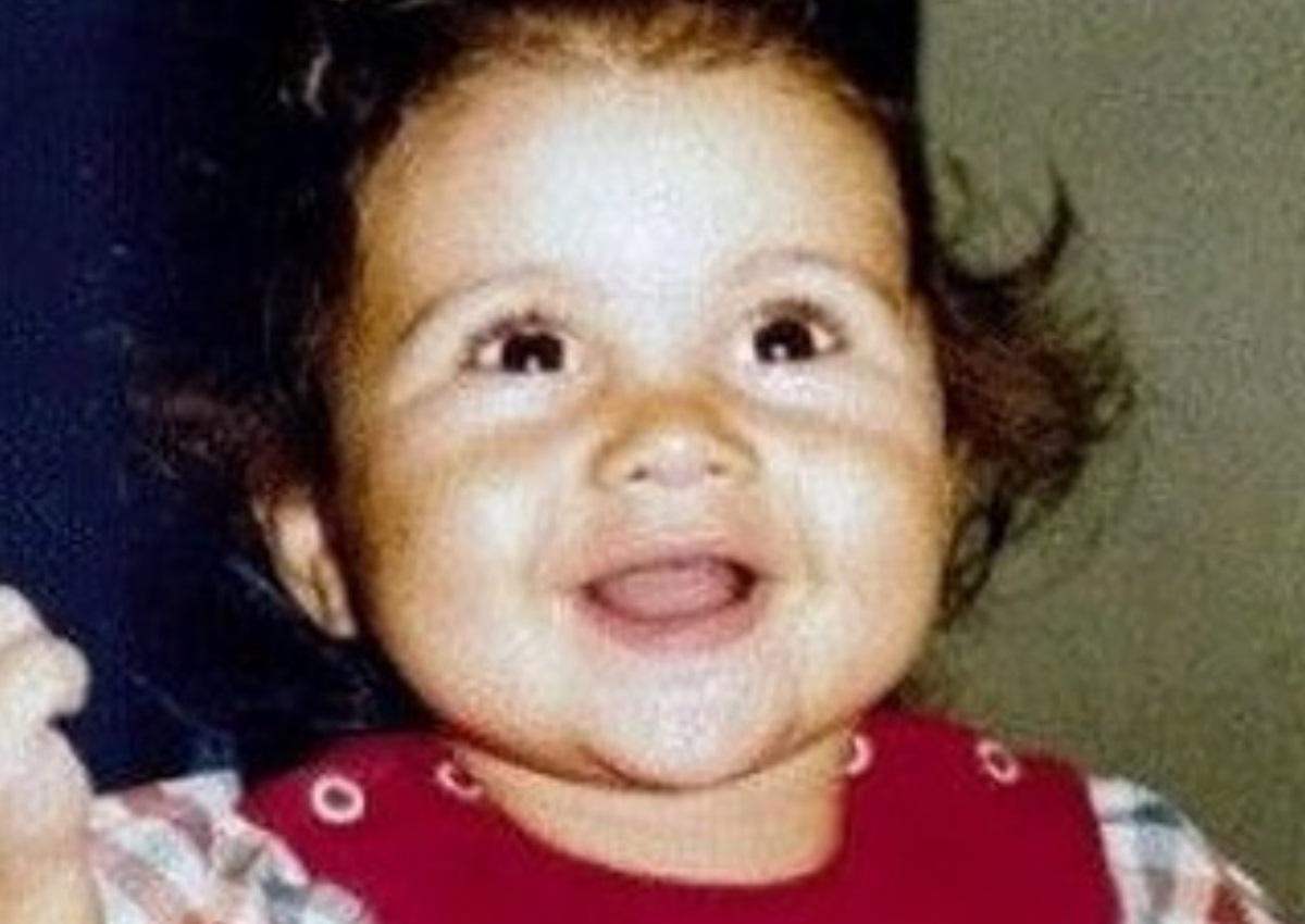 Το χαριτωμένο κοριτσάκι της φωτογραφίας είναι Ελληνίδα ηθοποιός – Την αναγνωρίζεις; | tlife.gr