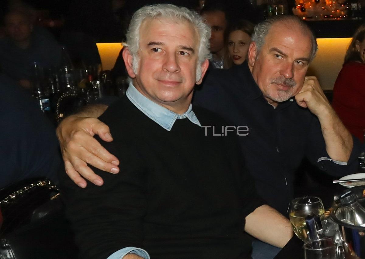 Πέτρος Φιλιππίδης: Σπάνια βραδινή έξοδος για να απολαύσει τον κολλητό του, Παύλο Χαϊκάλη! [pics] | tlife.gr