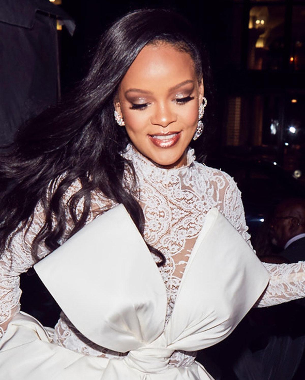 Φαντάζεσαι η Rihanna να σου υπογράψει τα καλλυντικά σου; Μόλις το έκανε! | tlife.gr