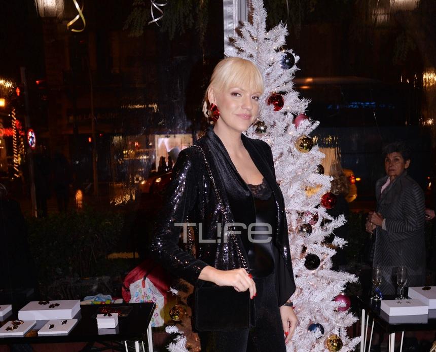 Σάσα Σταμάτη: Με chic εμφάνιση σε pre- christmas event γνωστού κοσμηματοπωλείου! [pics] | tlife.gr