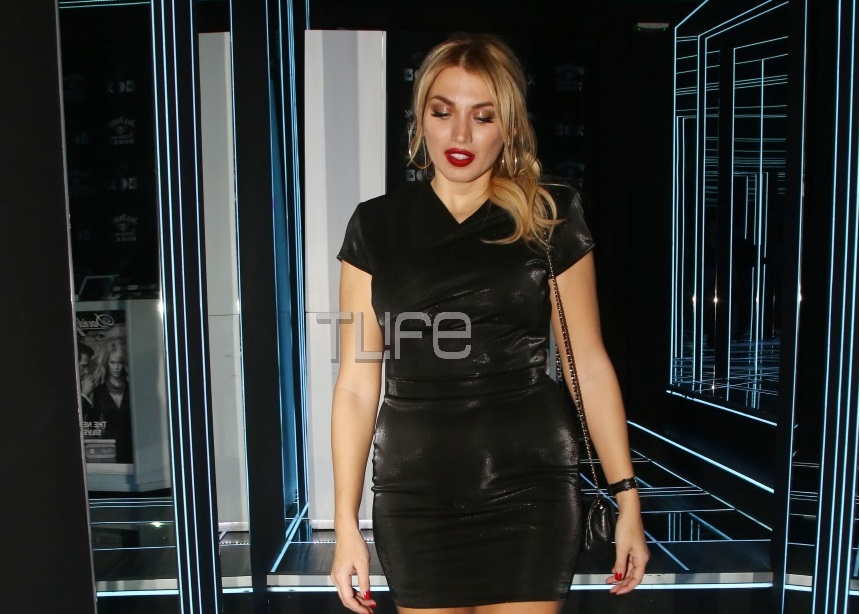 Κωνσταντίνα Σπυροπούλου: Sexy εμφάνιση με μίνι μαύρο φόρεμα σε νυχτερινή της έξοδο! [pics]   tlife.gr