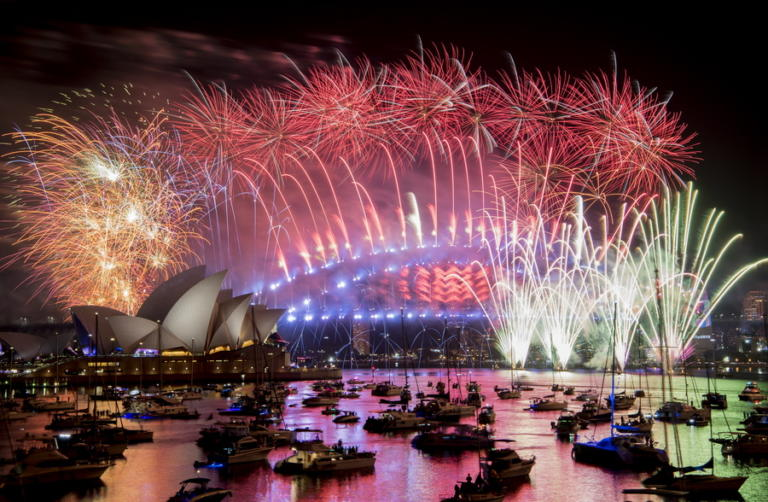 Πρωτοχρονιά 2019: Χιλιάδες πυροτεχνήματα στον ουρανό του Σίδνεϋ | tlife.gr
