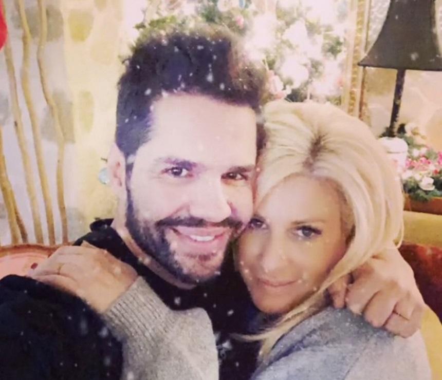 Γιώργος Τσαλίκης: Ο στολισμός – υπερπαραγωγή του σπιτιού του για τα Χριστούγεννα! Video   tlife.gr