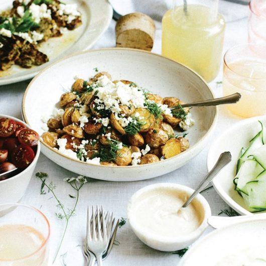 Ξιδάτες ψητές baby πατάτες φούρνου με σκόρδο και άνηθο | tlife.gr