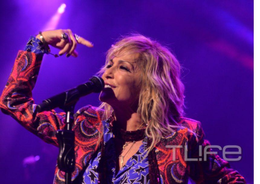 Άννα Βίσση: Έκανε πρεμιέρα με τον Νίκο Καρβέλα στο πλευρό της [pics] | tlife.gr