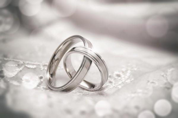 Διάσημο ζευγάρι της showbiz παντρεύεται την Παραμονή της Πρωτοχρονιάς! | tlife.gr