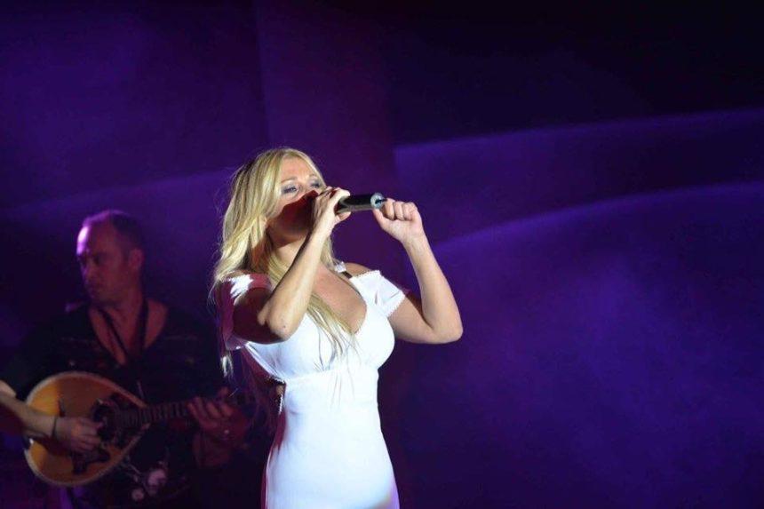 Θύμα ληστείας η γνωστή τραγουδίστρια Σαμπρίνα – Η συγκλονιστική της περιγραφή | tlife.gr