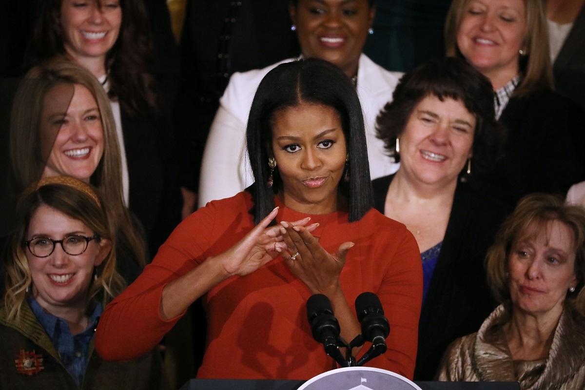 Υποδοχή ροκ σταρ στο Λονδίνο στην Michelle Obama από χιλιάδες Βρετανούς!
